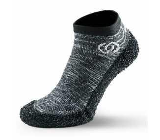 Skinners grises chaussures minimalistes chaussettes avec semelle couleur granite grey