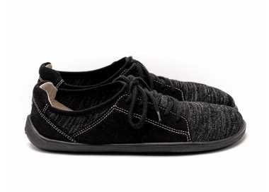 Chaussure minimaliste Ace noire de Be Lenka vu de côté