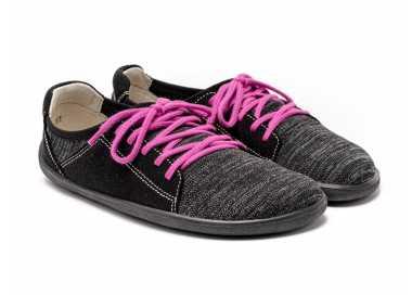 Avec les lacets rose (supplémentaires) - chaussure minimaliste Ace de Be Lenka