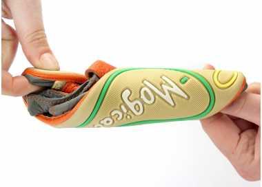"""Flexibilité torsionnelle du modèle de chaussures enfants """"bebe"""" de la marque magical shoes"""