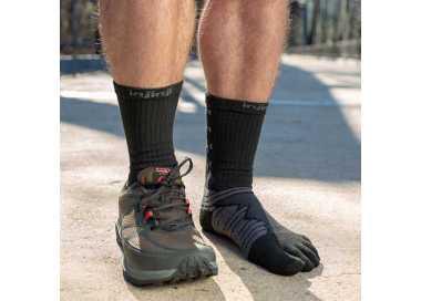Chaussettes à 5 doigts INJINJI Ultra Run Crew noir et gris