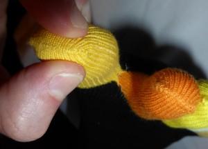 Montre en gros plan le tissu entre le gros et second orteil