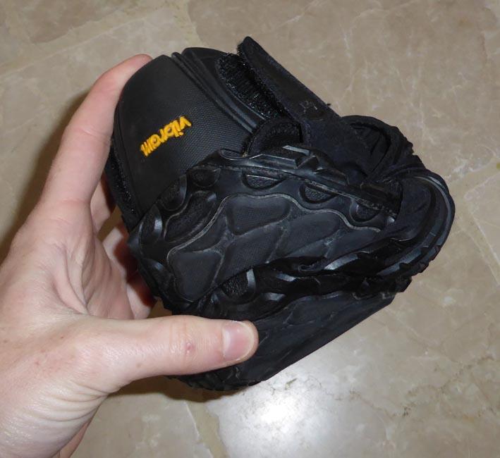 les chaussures Vibram Furoshiki plié en boule