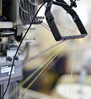 Métier à tisser utilisé par Knitido au Japon pour la confection de leurs chaussettes à 5 doigts
