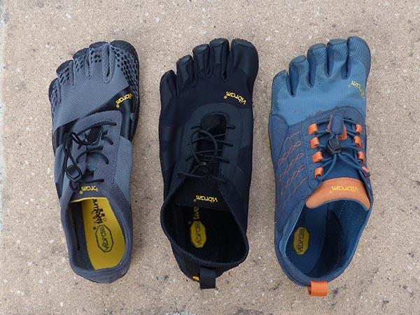 FiveFingers KSO EVO grise, V-Alpha noire, Trek Ascent bleu
