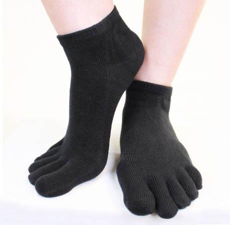 Socquettes à 5 doigts de la marque toetoe gamme essential